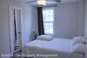 Alcove: Bedroom 3 for rent at 1308 S Roxboro St, Durham NC 27707