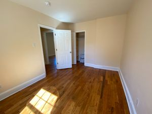 Alcove: Bedroom 3 for rent at 129 Lincoln Ct, Raleigh NC 27610